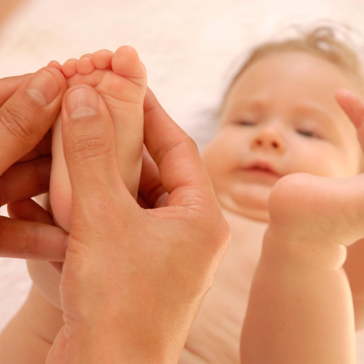 massagens-para-bebes-a-tecnica-shantala-reflexologia